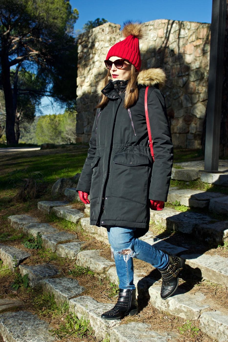 lara-vazquez-madlula-style-fashion-blog-pop-of-red