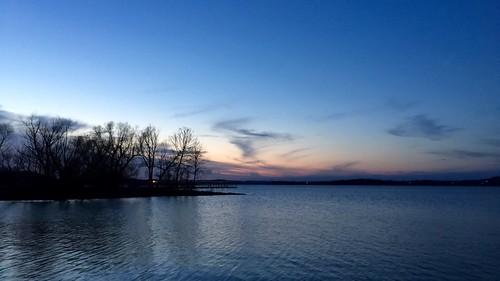 sunset cloud lake tree evening missouri tablerocklake