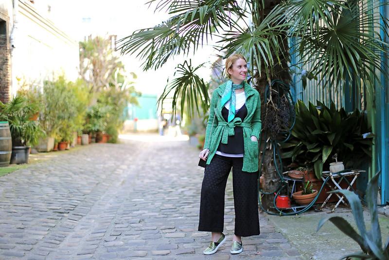 look-avec-foulard-vert-blog-mode-paris