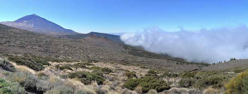 Clouds approaching Pico del Teide