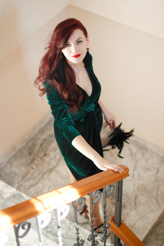 emerald green velvet dress 9