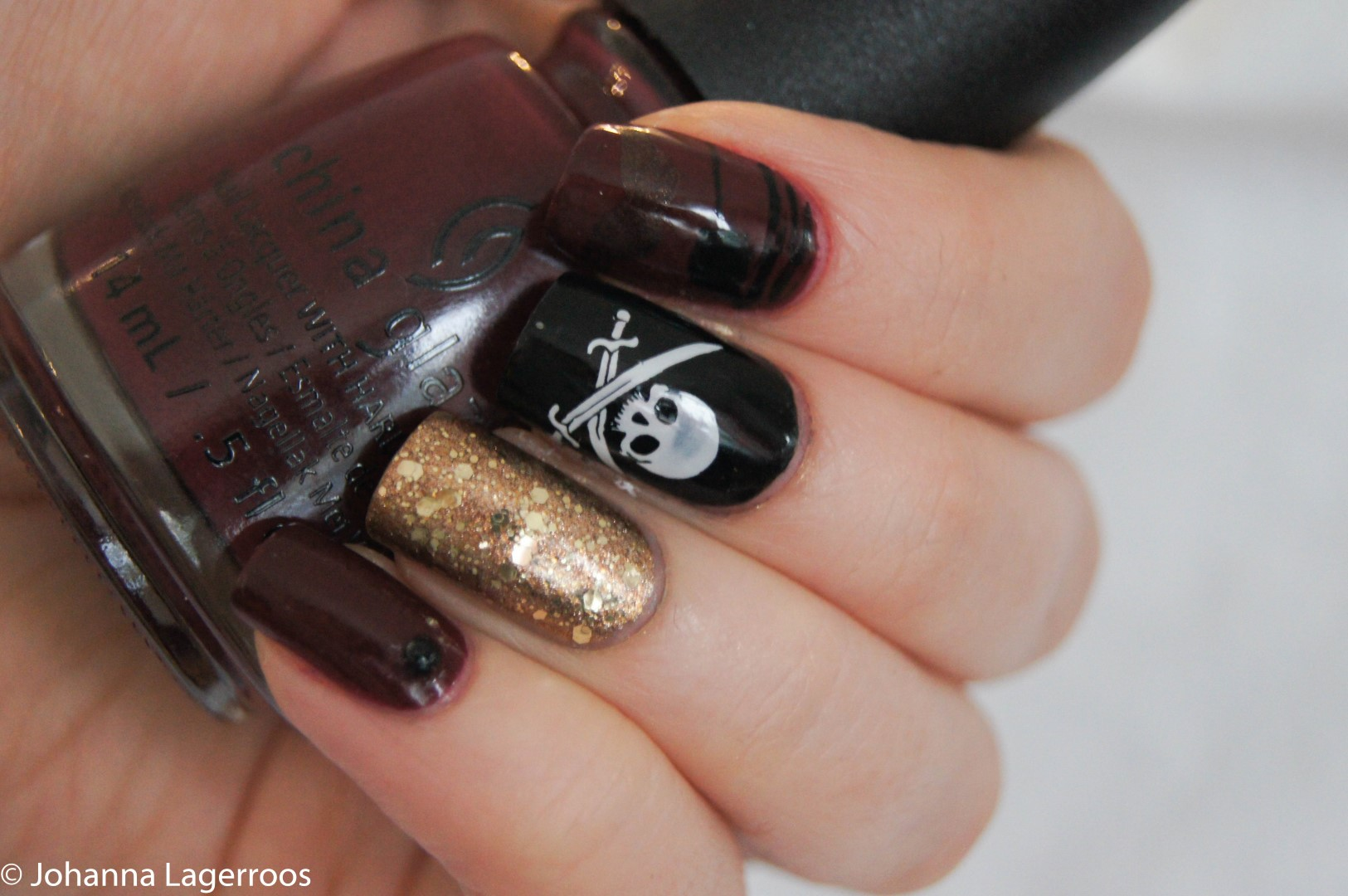 Pirate nails