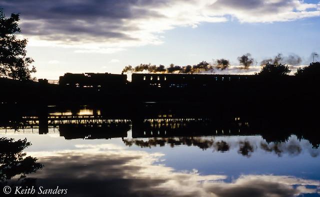 860524 44932 River Lochy Silhouette_Keith Sanders.jpg