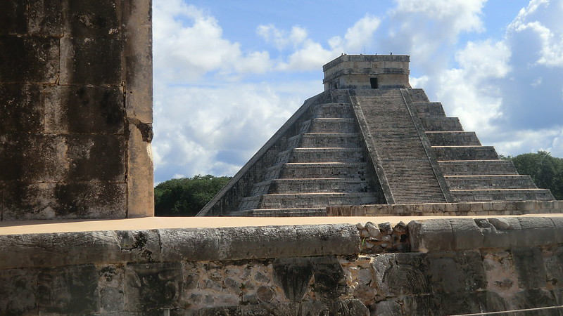 "Mexico - Chichén Itzá;  the Pyramid ""El Castillo"" - one of the ""New 7 Wonders"""
