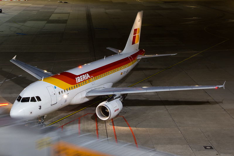 Iberia - A319 - EC-LEI (1)