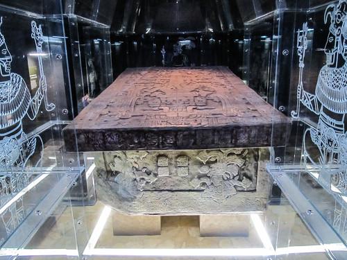 Le musée de Palenque: reproduction d'un tombeau maya
