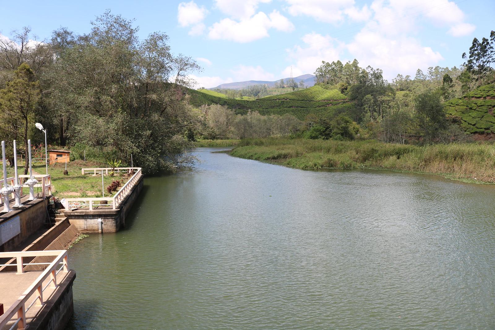 Dam en-route Munnar