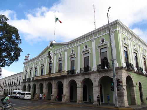 Merida: le zocaló et son Palacio del Gobernio