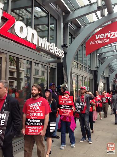 DC-Rally-for-a-Fair-Contract-at-Verizon