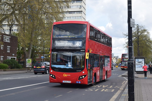 Go-Ahead MVH8 on Route 40, Camberwell