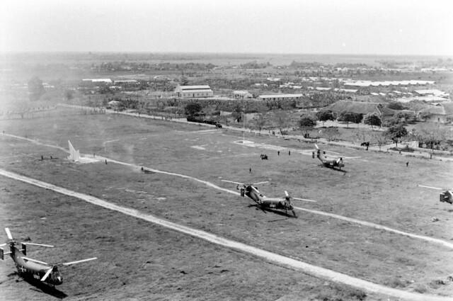 SAIGON 1962 - Report From Vietnam - Trại Hoàng Hoa Thám của Sư đoàn Nhảy Dù - by Howard Sochurek