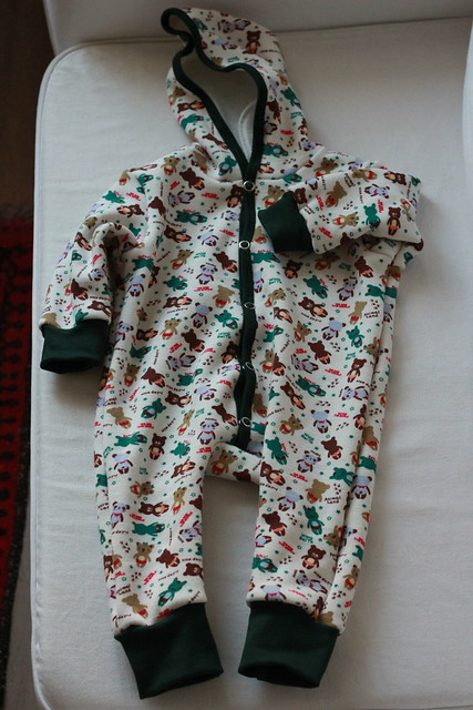 hooded baby jumpsuit