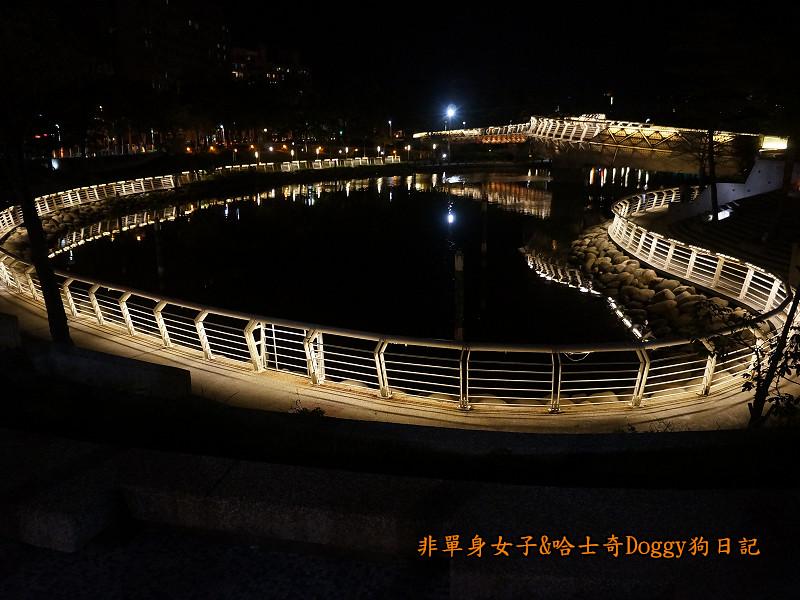高雄勞工夜市&愛河之心夜景17
