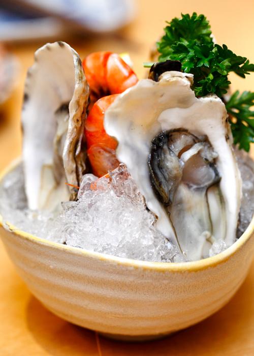Mitasu Japanese buffet Raw Oysters