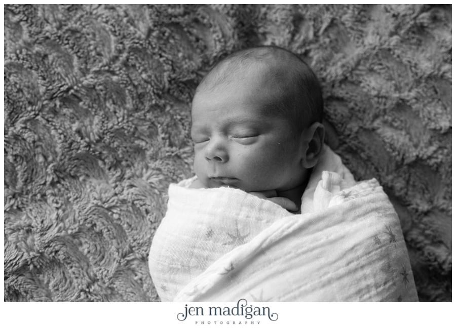 oliver-newborn-058-bw