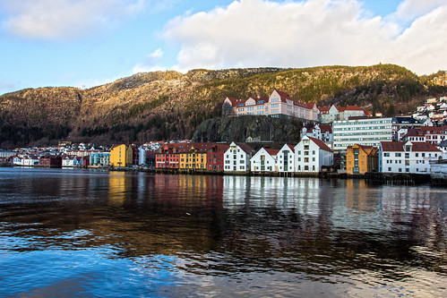 sea reflection norway architecture landscape europe no places bergen hordaland woodenbuildings scandanavia