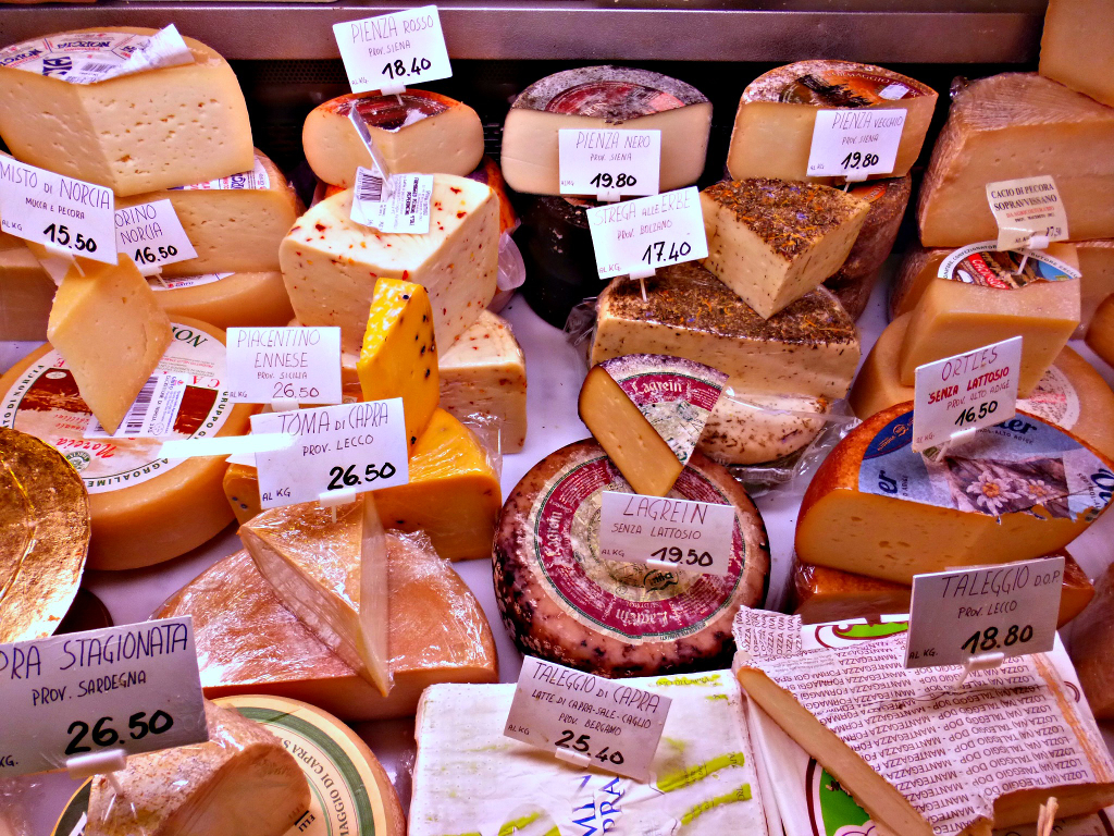 Cheese Sampling with Walks of Italy Food Tour