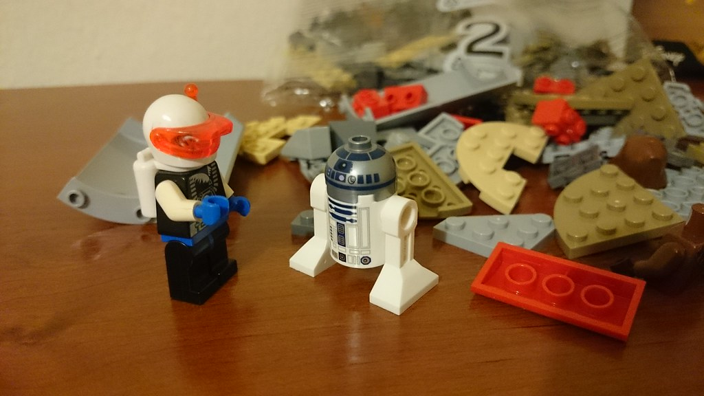 ThebrickReview: LEGO 75136 - (Star Wars) Droid Escape Pod (Pic Heavy!) 25279068694_c97f409fbf_b
