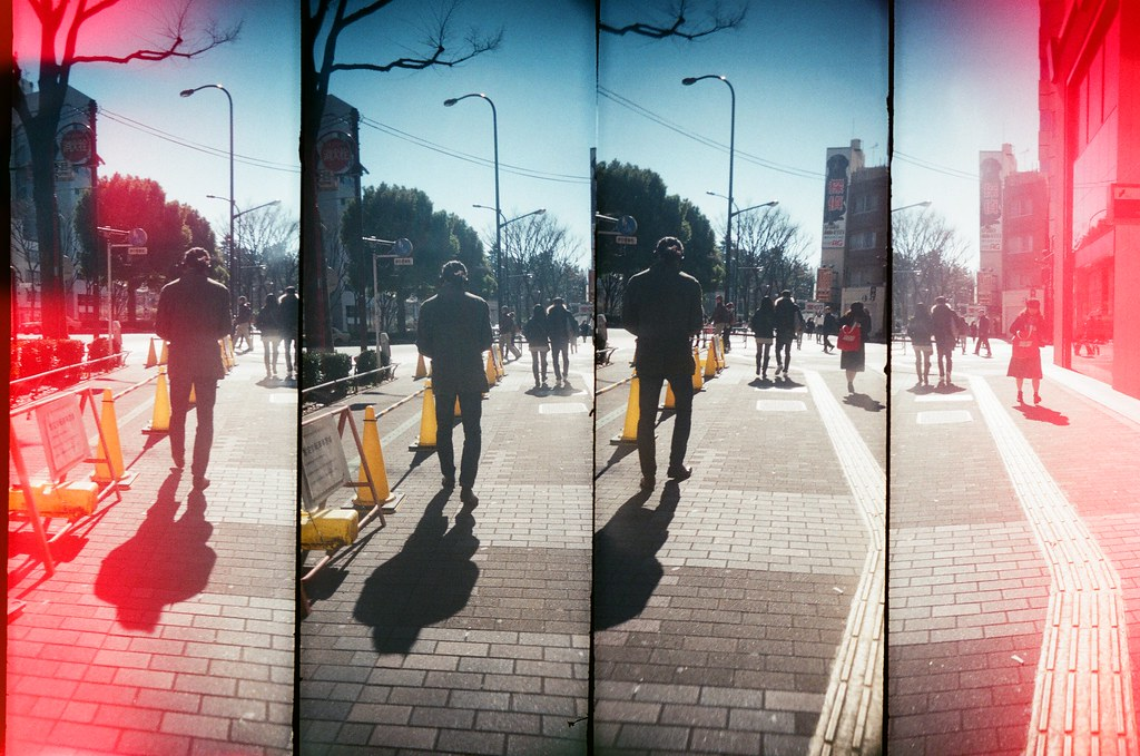 新宿 Shinjuku, Japan / AGFA VISTAPlus / SuperSampler Dalek 因為手殘,不小心打開了底片匣,讓一小段部分曝了光,但意外的特別!  SuperSampler Dalek AGFA VISTAPlus ISO400 8278-0008 2016/02/07 Photo by Toomore