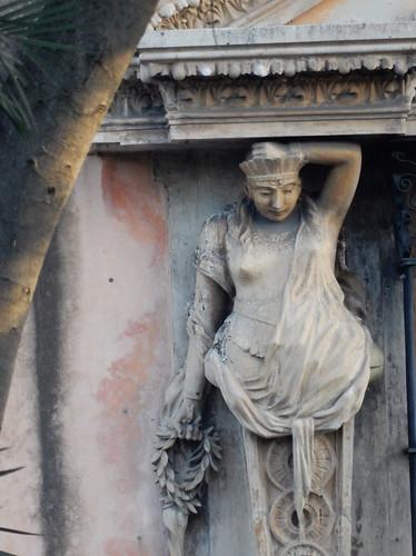 Merida - beeld in gevel Plaza Grande