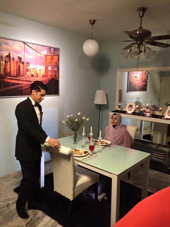 Memey Suhaiza dan Ashraf Muslim dalam telemovie Tiga Tempat Kosong