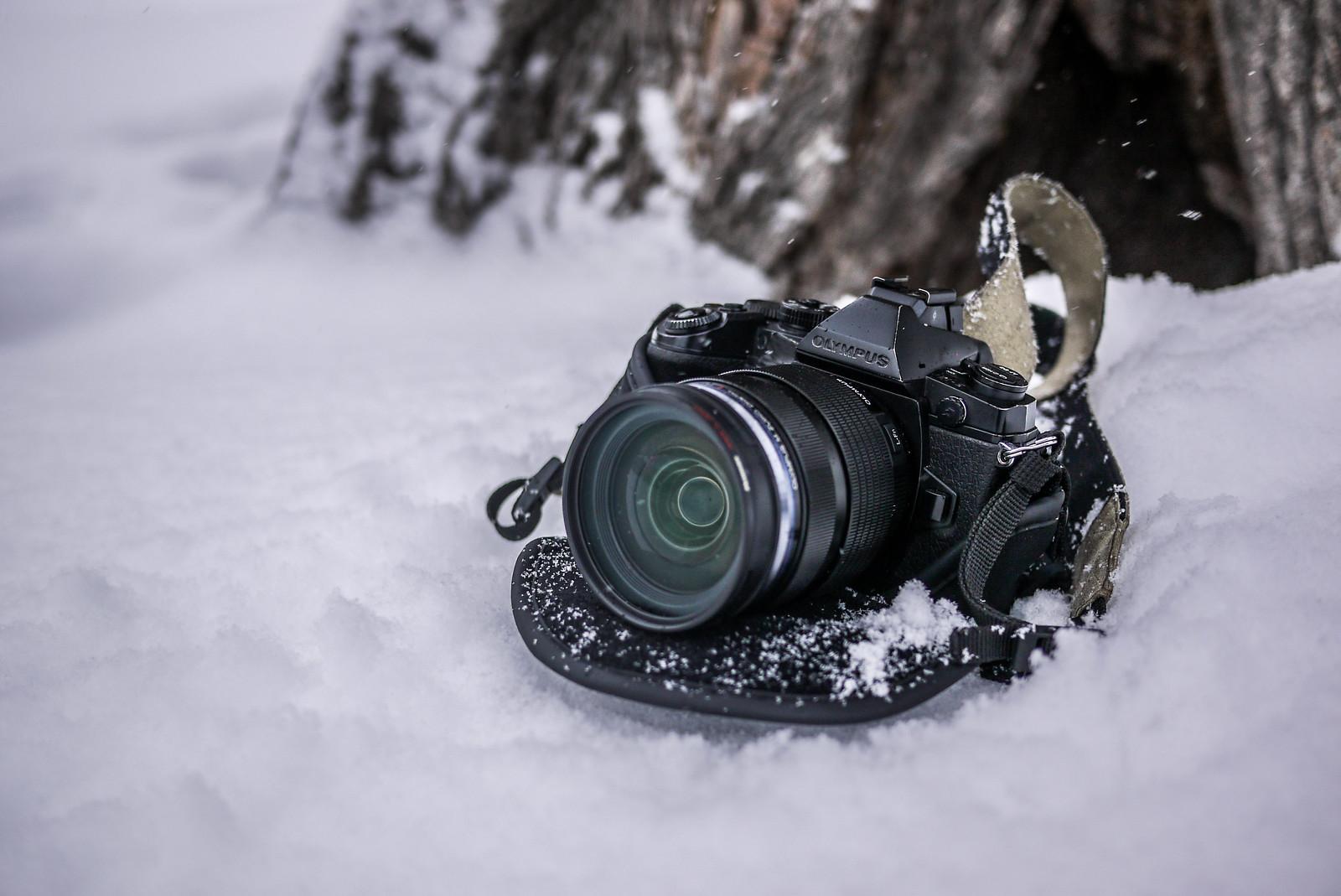 Olympus OM-D E-M1 in snow (Hokkaido, Japan)