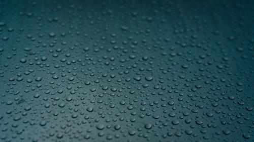 Gotas de Agua en un dia de Tormenta