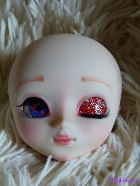Les Vinyls de Koikokoro~Ileana, little vampire (Icydoll) 25483845854_fe4e8cf892_z