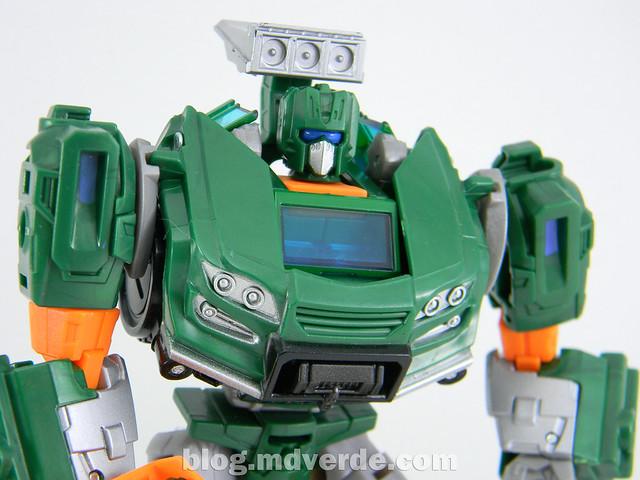 Transformers Hoist Deluxe - Generations Takara - modo robot