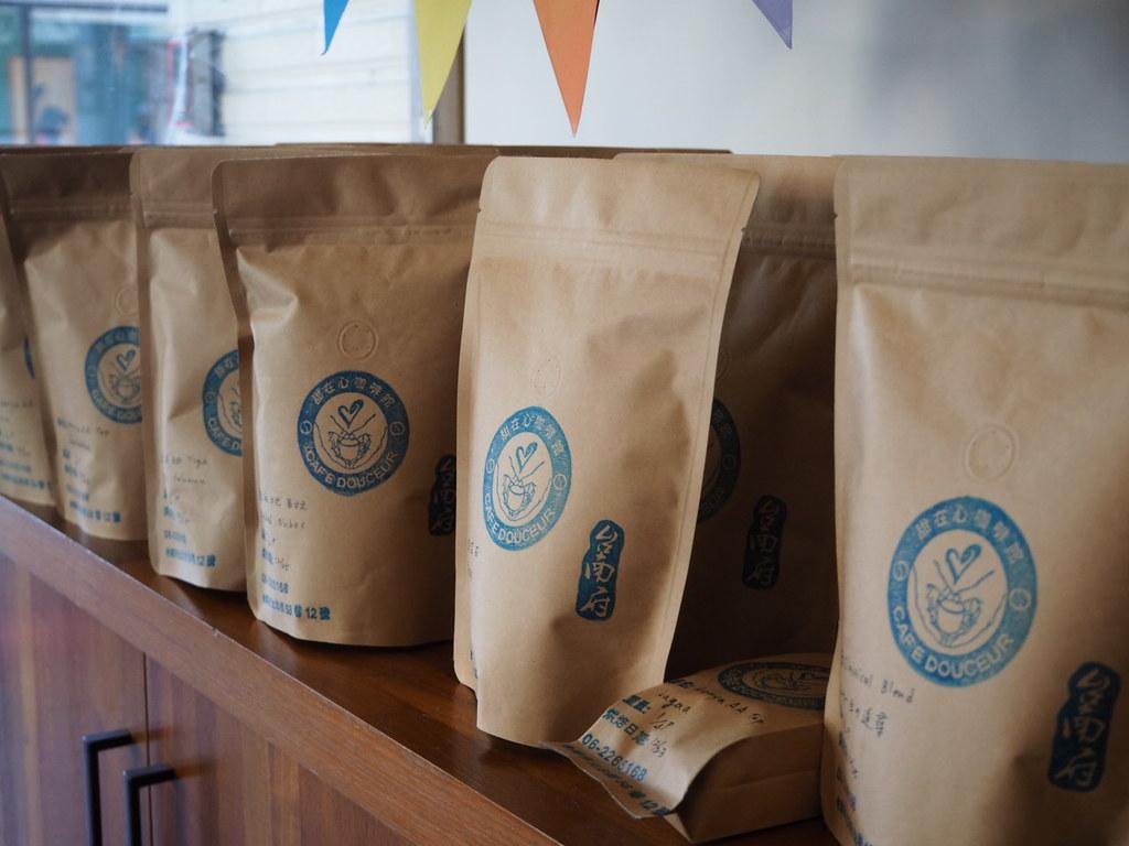甜在心咖啡館ではコーヒー豆も売っています