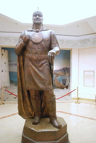 statue museum asia tajikistan khujand тоҷикистон sughd осорхона хуҷанд суғд temurmalik темурмалик