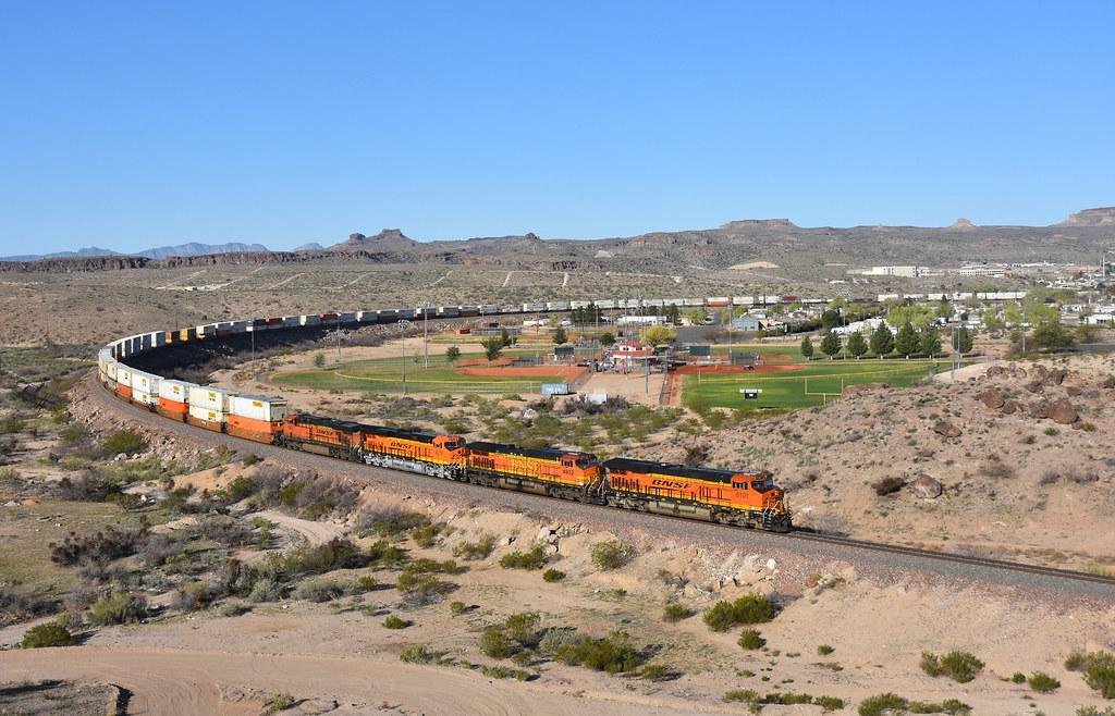 BNSF 8101 east Kingman Arizona 08.03.2016
