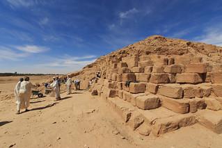 Image of El Kurru near Marawī. zeiss pyramid egypt sd northern archeology soudan egyptology archeologists distagont2815