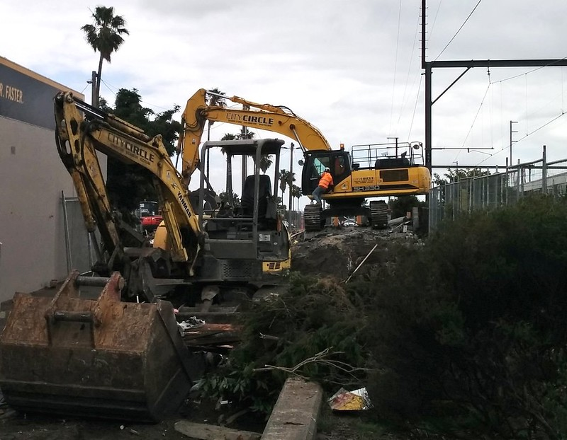 Bentleigh station: December 2015: Parkiteer and PSO pod are demolished