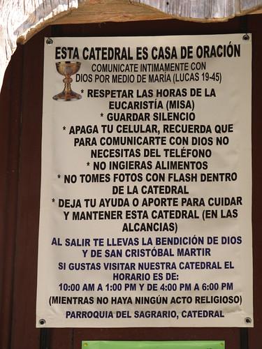 """San Cristóbal de las Casas: """"Éteins ton GSM. Rappelle-toi que pour communiquer avec Dieu, tu n'as pas besoin de téléphone""""."""