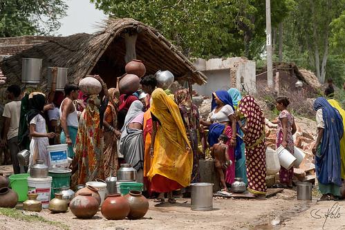 india asia natur vann urne portretter mennesker indere vannkrukke portretterfraindia indiskvannpost