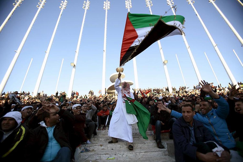 سر رفع علم الجزائر في فلسطين  - صفحة 3 26583263485_aaaf95ea0f_o