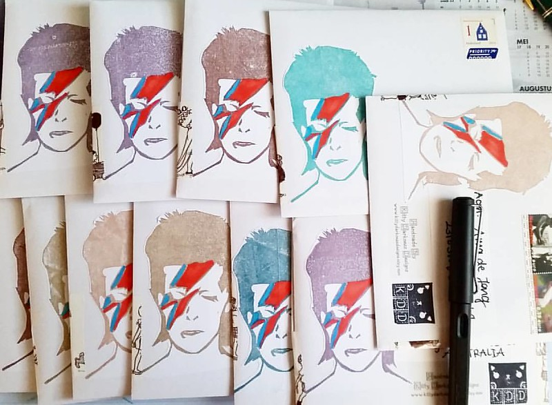 All these prints went out today! Thanks for the orders and I hope you all will receive them soon :) #davidbowie #printmaking #print #mailart #mailartists #mailout #sent #outbox #snailmailrevival #snailmailing