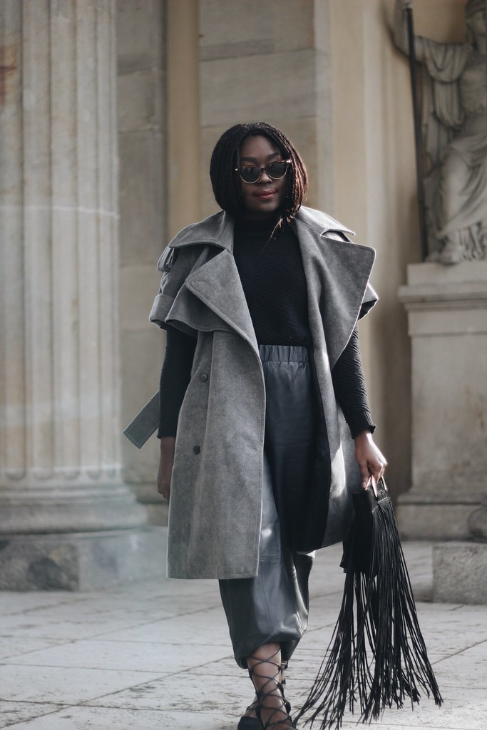 Lois Opoku fashion Week Streetstyle Grey Coat Leather culottes lisforlois