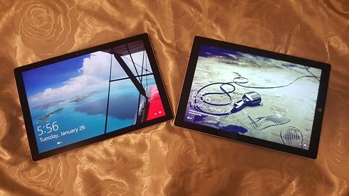 เทียบ Surface Pro 4 (ซ้าย) กับ Surface Pro 3 (ขวา)