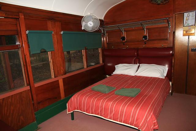 澳洲昆士蘭Undara railway carriage火車廂改裝的一大床客房內觀-20141117-賴鵬智攝-2
