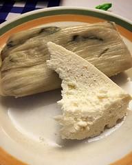 Tamalito de Chipilín y queso de Tecpán! Los dioses comían langosta y esto! Me babeo de lo delicioso que está esto!!! #foodie #foodporn #paralelo17N #Guatemala