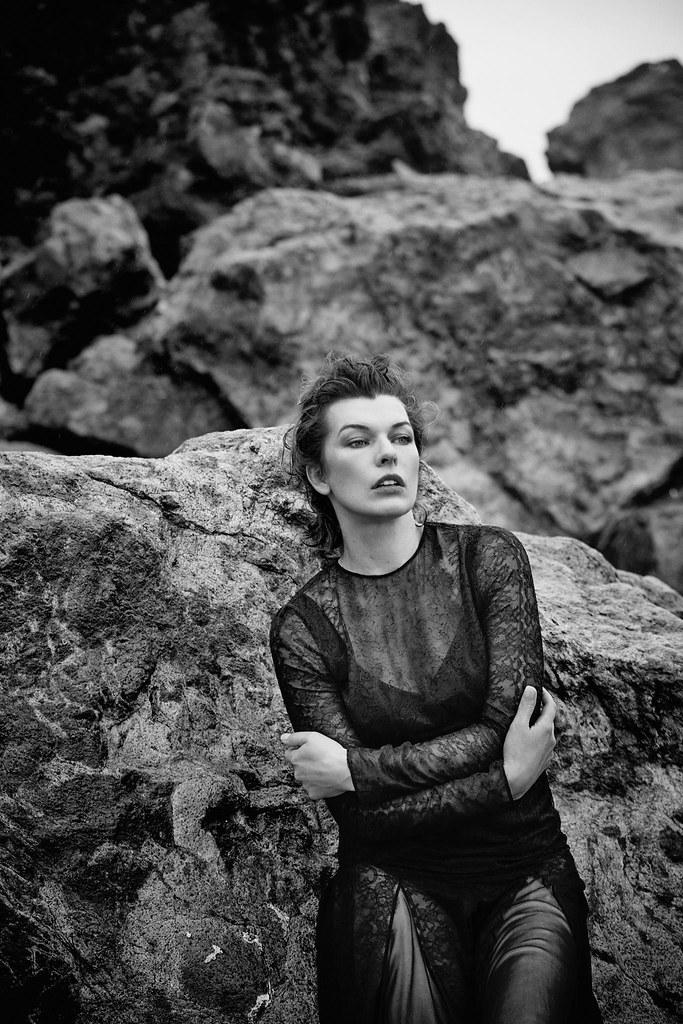 Милла Йовович — Фотосессия для «Harper's Bazaar» ES 2016 – 8