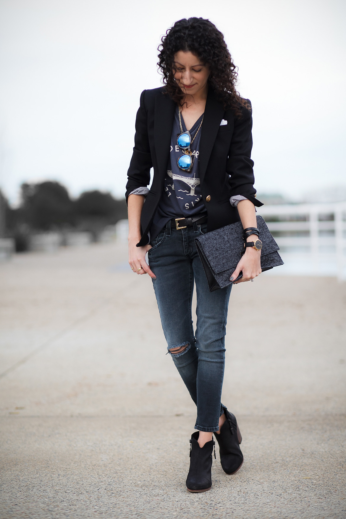 Graphic t-shirt and blazer outfit idea