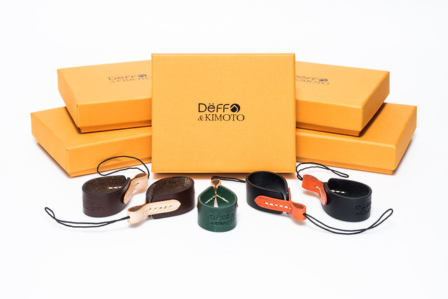 20160404_02_Deff&KIMOTO の Compact Camera Finger Strap をまとめ買い。