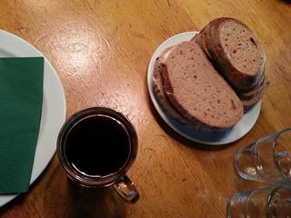Brot und einen Humpen Bier 435