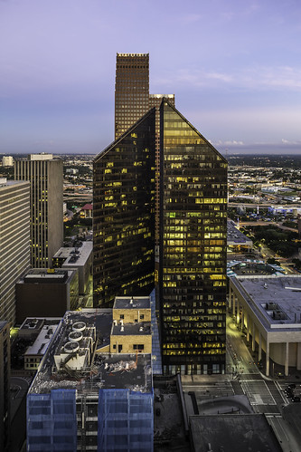 usa building skyline architecture sunrise buildings photography us photo downtown cityscape texas photographer exterior unitedstates image houston fav20 september photograph cameron 100 24mm f56 fav30 fineartphotography esperson 2014 architecturalphotography commercialphotography fav10 locallandmark harriscounty 13sec fav40 architecturephotography pennzoilplace tse24mmf35l fineartphotographer houstonphotographer mabrycampbell september112014 houstonstock rooftopphilipjohnson 20140911h6a8390