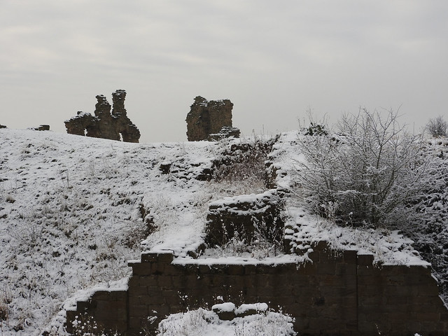Sandal Castle Ruin 3 - Copy