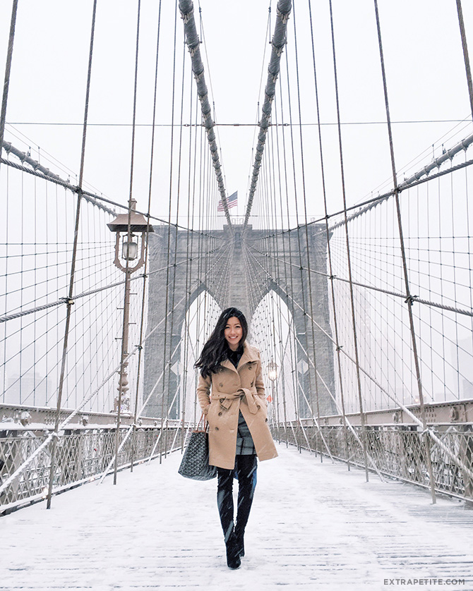 brooklyn bridge snow new york winter outfit