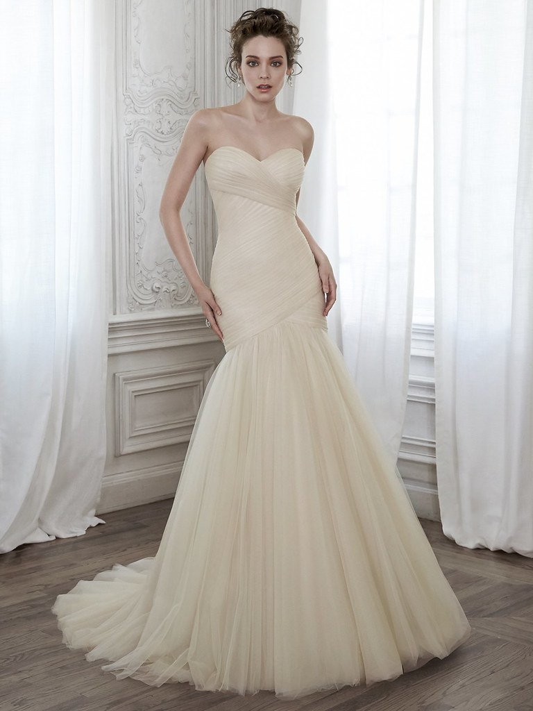 champagne wedding dress | itakeyou.co.uk